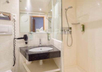 Single Room Standard Bathroom